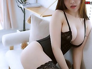 Chinese Hottie: sexy model Nuo MeiZi wearing sexy stockings and underclothing